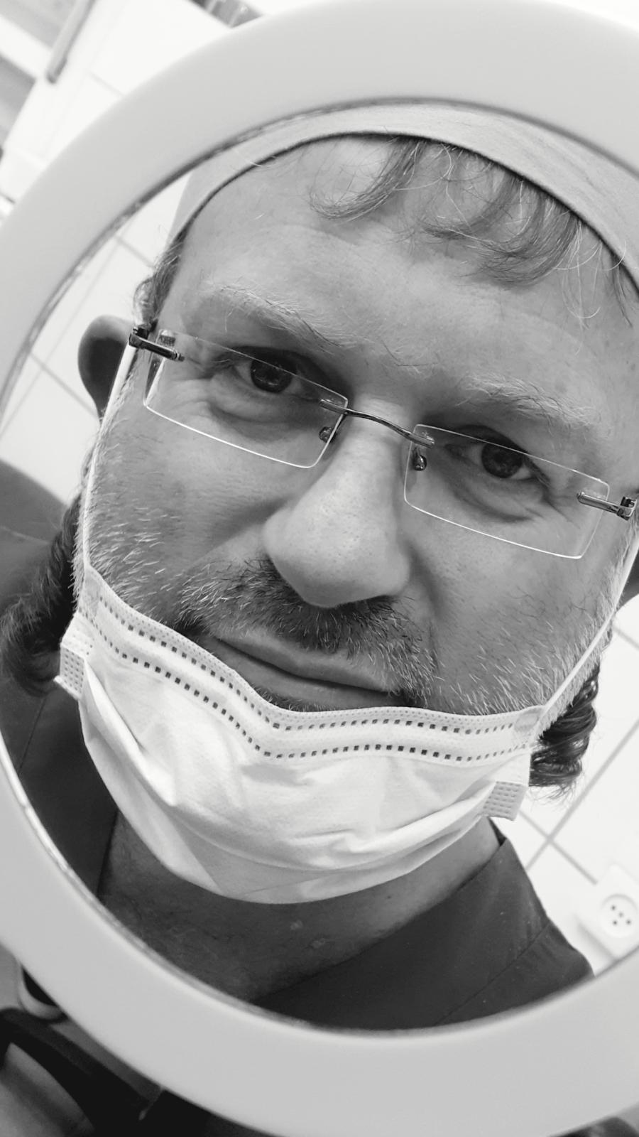 Dr. Reuven Friedheim, Dental Implants